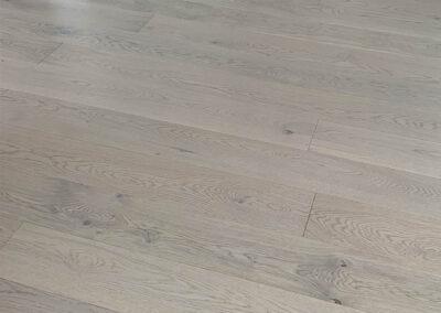 golvläggning-lövstalöt-uppsala-robin-thorell-bygg-kährs